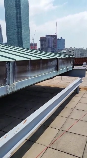 Moving Roof