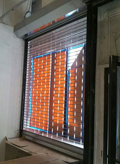 50) Security Rolling Grille